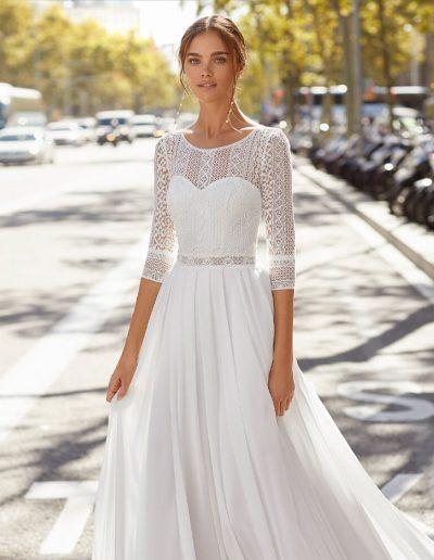 lunanovias yadir wedding dress from the 2021 collection close up