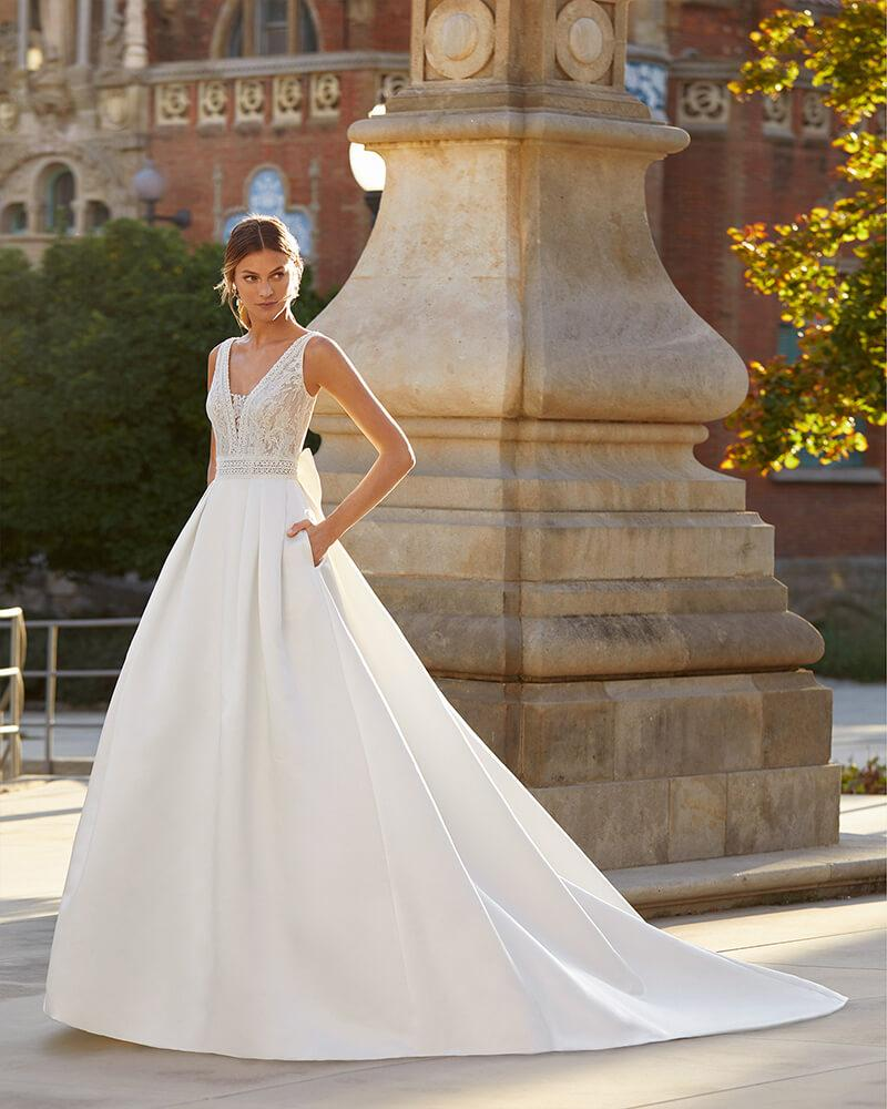 luna Novias Yulia Wedding Dress from the 2021 Collection